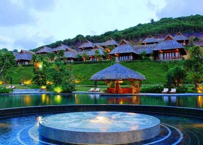 best-hotels-resorts-awards-merperle-hon-tam1